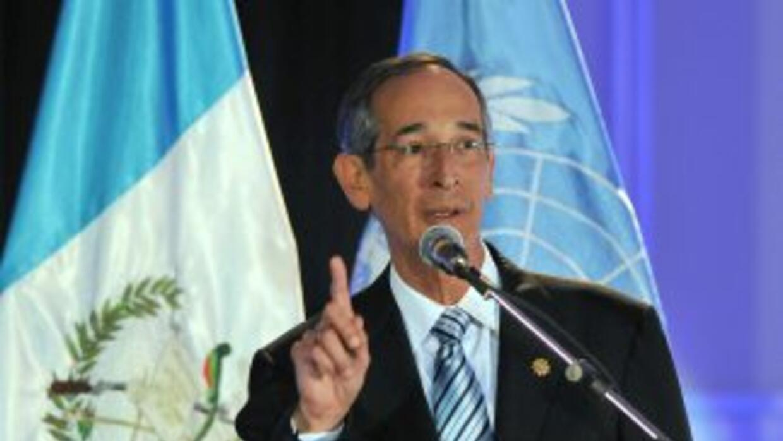 """El presidente Alvaro Colom calificó de """"histórica"""" la desclasificación d..."""