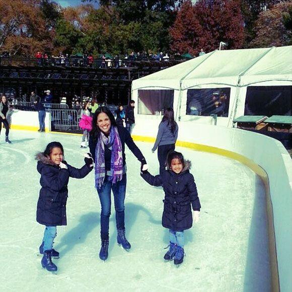 """""""¡Un día hermoso con mis hijas! #patinandoencentralpar..."""