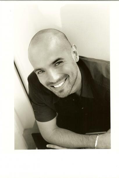 Javier Poza nació un 20 de enero de 1973 en Tulancingo, Hidalgo.
