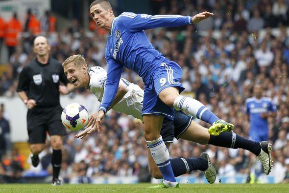 Fernando Torres fue titular, pero no encontró el gol.