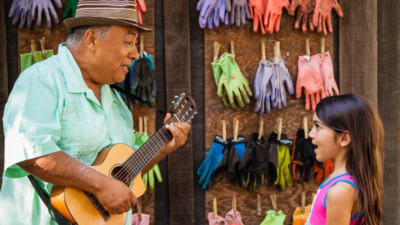 José Luis Orozco fomenta buena alimentación en disco nominado al Grammy.