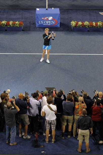 La belga Kim Clijsters logró su segundo título consecutivo...