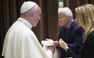 Hollywood llegó a la clausura del congreso de la educación en el Vaticano