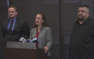 Demandan a la Oficina del Alguacil del Condado de Cook por presuntos act...