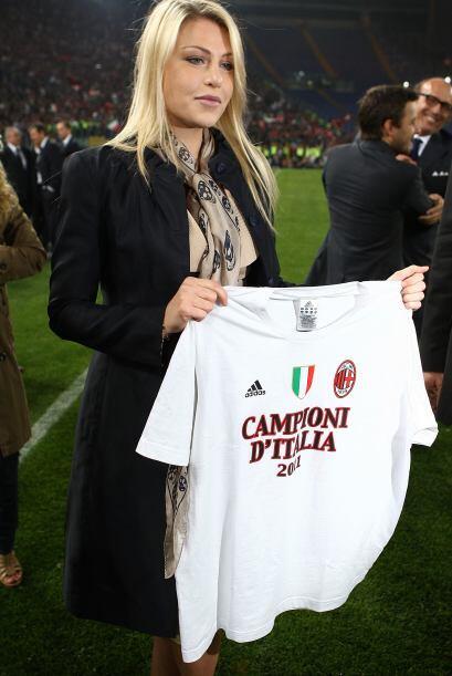 La bella Silvia Berlusconi, hija del presidente del equipo Silvio Berlus...