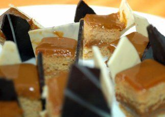 Pastel laminado de cajeta (dulce de leche): En México la leche quemada s...