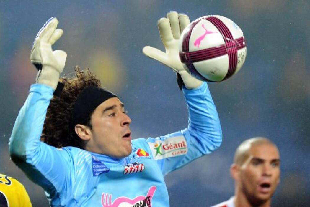 En la temporada 2012-2013, el portero mexicano atajó en 38 juegos, duran...