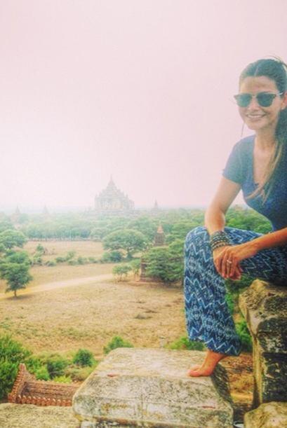 En todos los templos de Myanmar están prohibidos los zapatos por respeto...