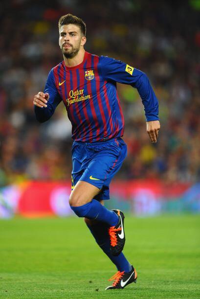Gerard Piqué es un marcador central con mucha fuerza y altura. Ha tenido...