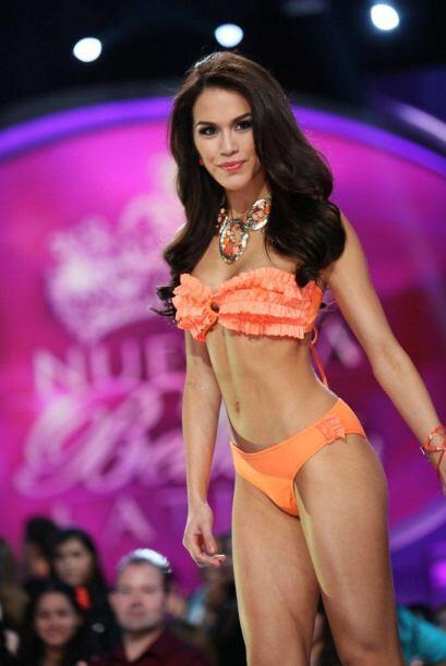 Las 12 finalistas desfilaron en bikini. Bárbara Falcón representa a Méxi...