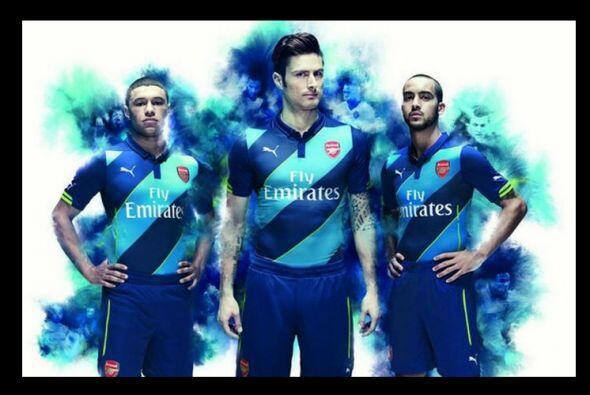 El Arsenal volvió a sorprendernos con un diseño lejos de sus tradicional...
