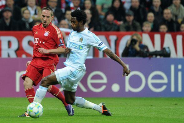 El galo Frank Ribery tuvo uno de sus mejores partidos causando estragos...