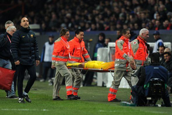 Mascherano también salío lesionado y estaá varias semanas fuera de acción.