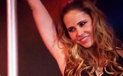 Margarita Magaña ya es una experta en bailar en el tubo