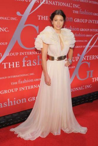 Giambattista Valli fue el encargado de crear el vestido que usó Jessica...