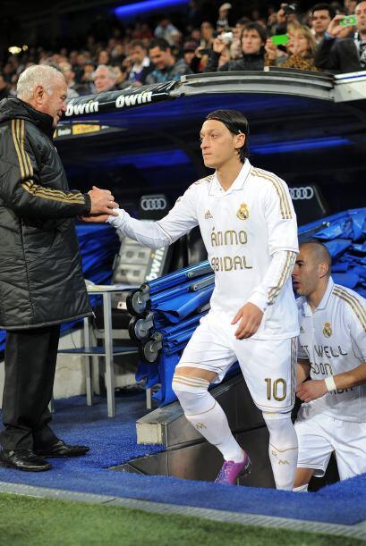 Mesut Ozilse veía triste antes del partido ante el M&aacute...