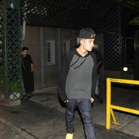 Testigos dicen que Griffin trató de calmar a Bieber, pero esto parece qu...