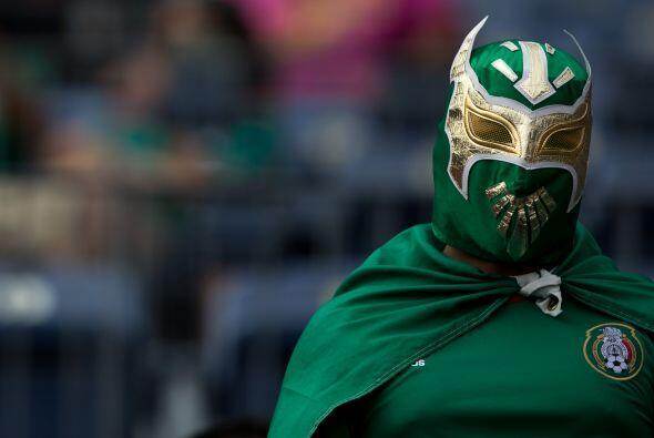 En máscaras destacan los mexicanos con sus luchadores.