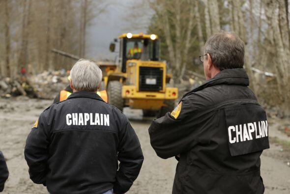 Los equipos de rescate en Washington pasaron otro día de b&uacute...