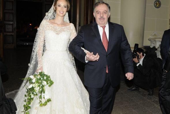 La novia se veía radiante, hermosa y feliz.