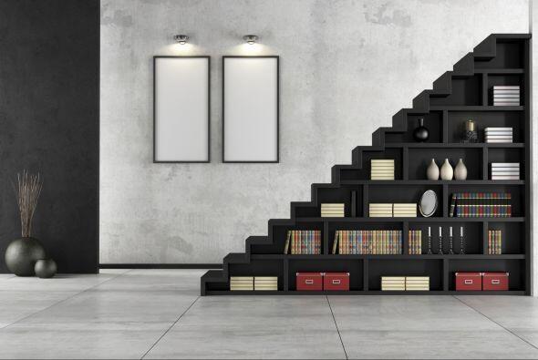 Bonita y funcional. ¿Sabes que puedes sacar provecho de tus escaleras? A...