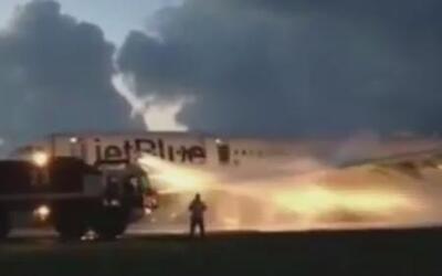 De alta pasajeras heridas en accidente aéreo con un avión de Jetblue en...