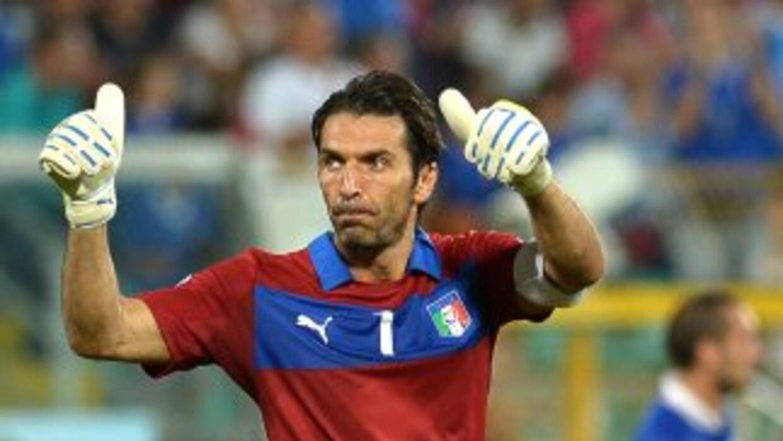 Buffon igualará la cifra de más partidos con la escuadra italiana que ha...