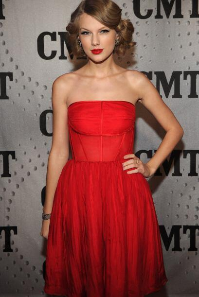 Su venta de álbumes le brindó a Swift ingresos de $20.4 millones, además...