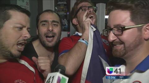 Fanáticos chilenos celebran triunfo de su selección