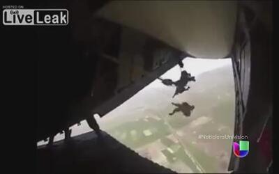 Un paracaidista militar en México está vivo por milagro