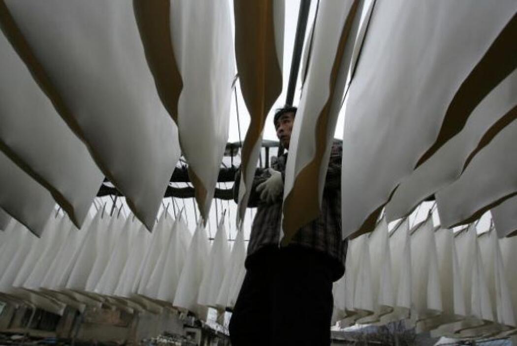 Utilización de prensas y compactadores motorizados de productos de papel.