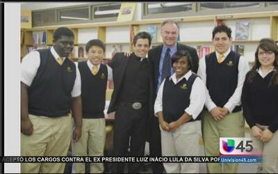 Alumnos de la escuela Cristo Rey están motivados por la candidatura de T...