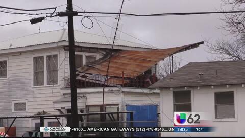 Residentes de Thrall, Texas viven una pesadilla durante el paso del sist...