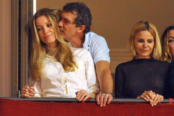 Nicole no se veía muy cómoda con la actitud del actor.