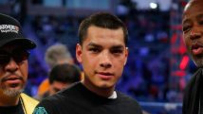 Omar Figueroa listo para enfrentar a Ricky Burns.