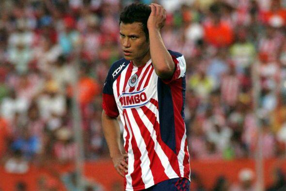 Galindo volvería a México para jugar con las Chivas, pero antes de poder...