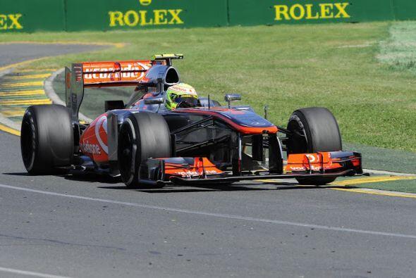 Sergio Pérez ya está en Melbourne para su debut con la escudería McLaren...