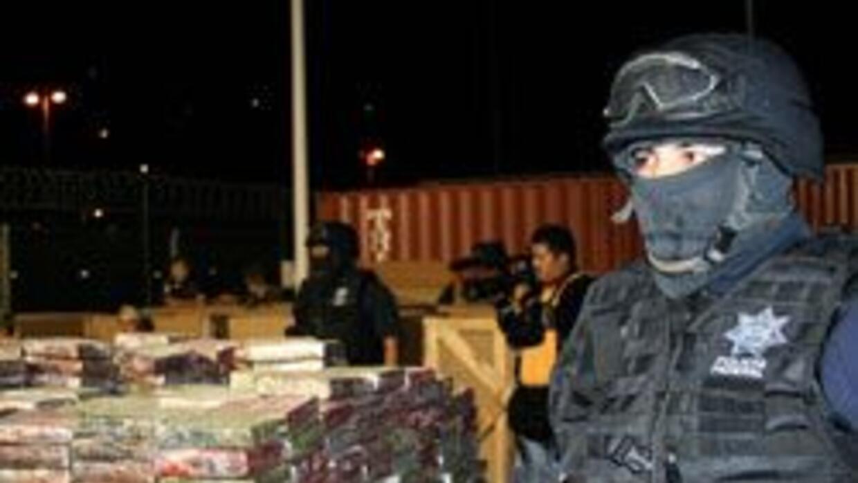 Infantes de Marina detuvieron al capitán del puerto de Manzanillo por ne...
