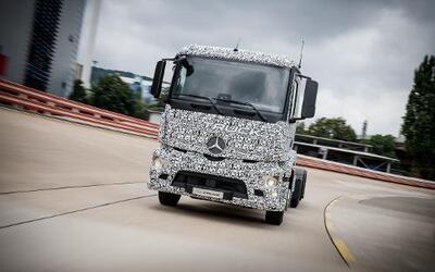 El Mercedes-Benz Urban eTruck es el primer, y por ahora único camión tot...