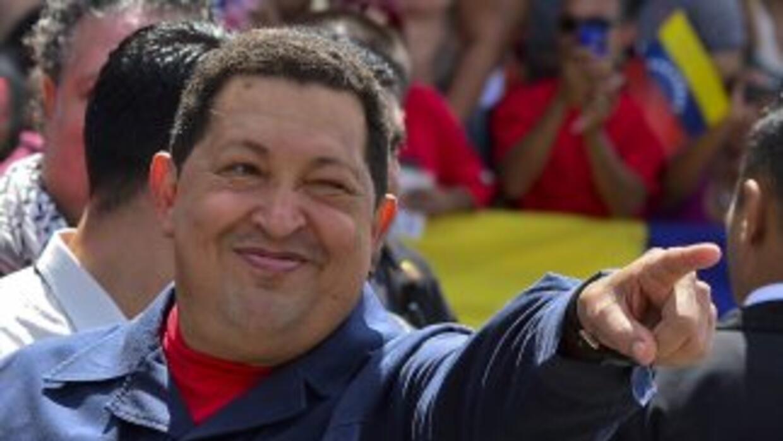 """El ministro de Comunicación recordó que Chávez se sometió a una """"complej..."""