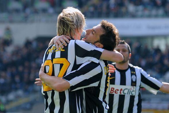 Sólo un gol del capitán Alessandro del Piero pudo darle los tres puntos...