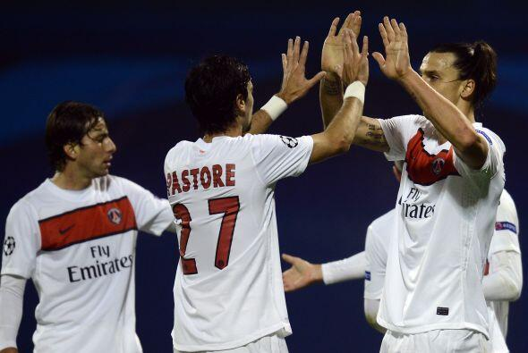 Zlatan Ibrahimovic puso el 1-0 para los franceses.