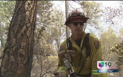 Los bomberos siguen combatiendo el incendio 'Sand'