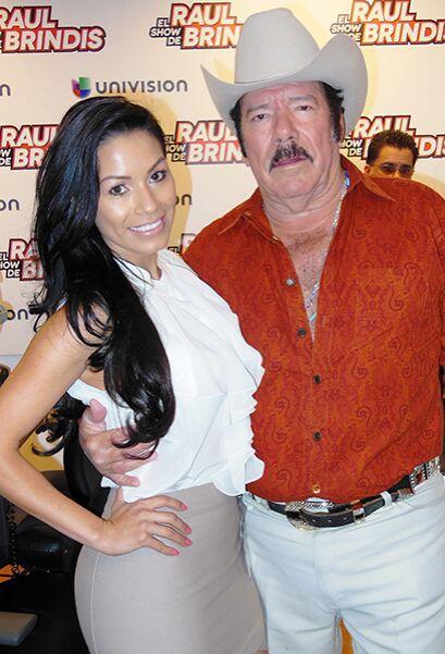 Al formar parte del show de Raul Brindis ha tenido la oportunidad de con...