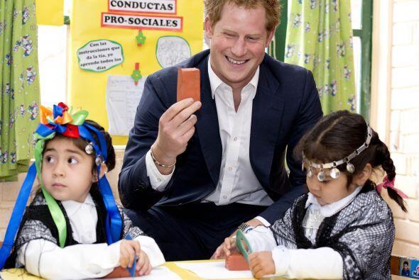 Harry llegó a Chile tras cuatro días de una apretada agenda de causas so...