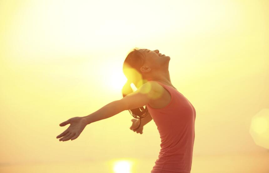 Aleja los pensamientos negativos y los prejuicios sobre ti misma y evita...