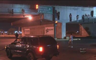 Nueve cuerpos colgados de un puente en Nuevo Laredo, Tamaulipas