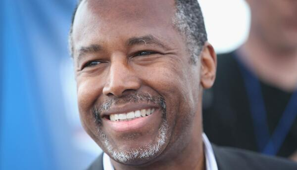 Ben Carson es el más popular de los aspirantes presidenciales en las enc...