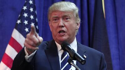Donald Trump deportaría a todos los indocumentados