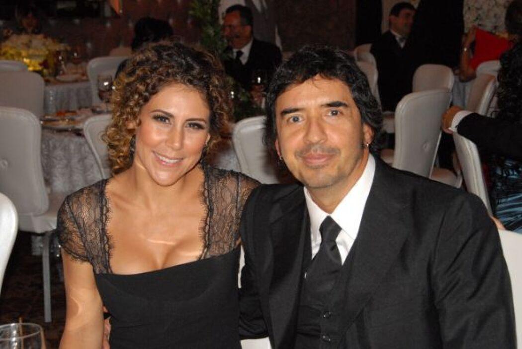 El productor Memo del Bosque y su esposa Vica Andrade disfrutaron de la...